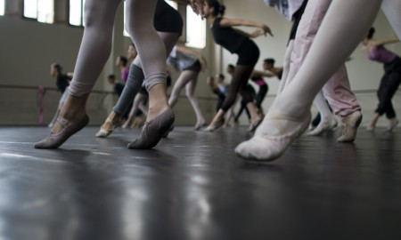 Dancers-in-class-audition