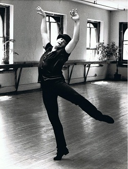 the paradoxical tastefulness of bob fosses choreography American dancer, choreographer for the musical stage and screen, writer, and  director bob fosse (b chicago, il, 23 june 1927 d washington, dc, 23.