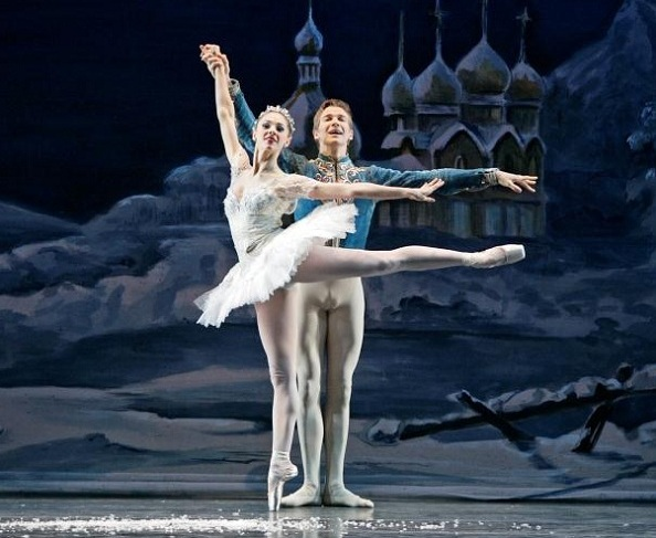 Nutcracker-2009-14-Snow-Photo-by-C.-McCullers-Courtesy-of-Atlanta-Ballet1