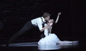 The-Australian-Ballet-Swan-Lake