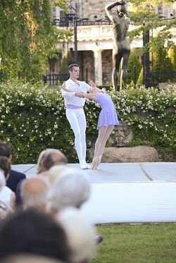 Tom Gold Dance's Russell Janzen and Likolani Brown
