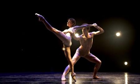 Dominic-Walsh-Dance-Theatre-The-Whistling-Chor.-D.-Walsh.-Dancers-Stefania-Figliossi-Domenico-Luciano-Photo.-Gabriella-Nissen.-Copy