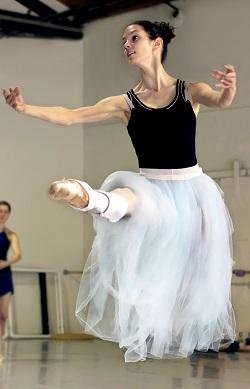 Julie Diana, Pennsylvania Ballet. Photo by Candice Detore.