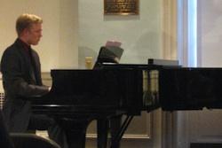 Pianist Ben Houghton
