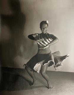 Bailarín y coreógrafo negro Pearl Primus