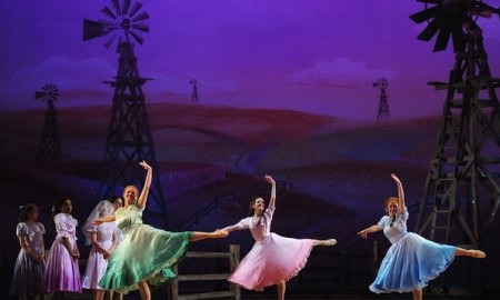 The-Dream-Ballet-from-Oklahoma-Musical