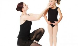 dance-instructor-with-student