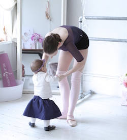 Ballerina Mary Helen Bowers and daughter
