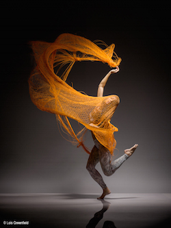 Ha-Chi Yu. Photo by Lois Greenfield.