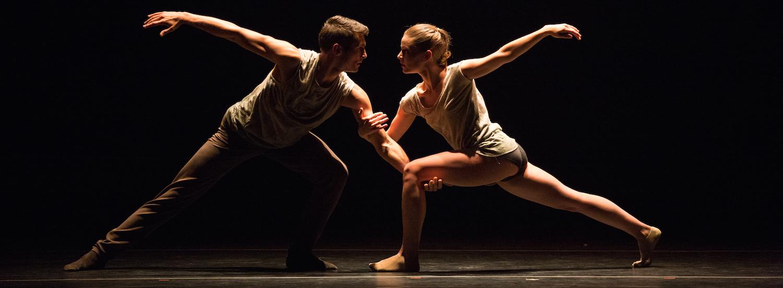 Aspen Santa Fe Ballet in 'Silent Ghost' by AlejandroCerrudo. Photo by Rosalie O' Connor.