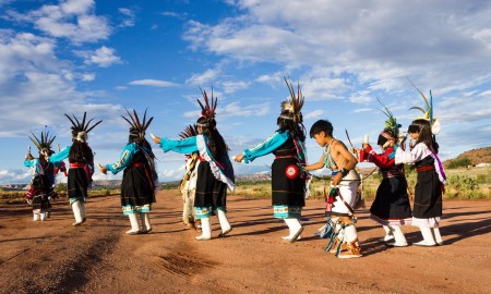 Anshe:kwe dance group