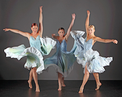 Giordano Dance Chicago's 'La Belleza De Cuba Dancers Rachael Berube, Meaghan McHale, Katie Rafferty. Photo by Gorman Cook.