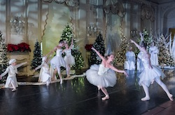 Island Moving Company in 'The Nutcracker at Rosecliff'. Photo courtesy of IMC.