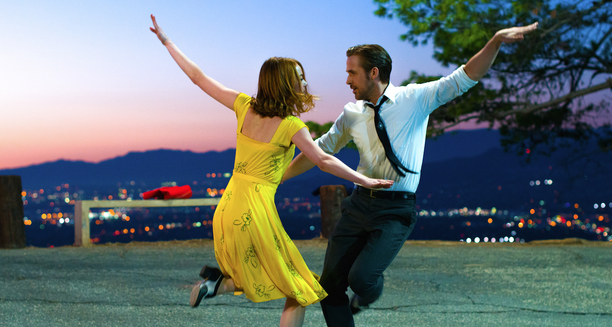Sebastian (Ryan Gosling) and Mia (Emma Stone) in LA LA LAND. Photo by Dale Robinette