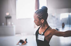 A student at the 2016 artÉmotion Summer Intensive. Photo by Alexis Ziemski.