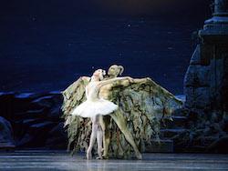 American Ballet Theatre's Hee Seo in Kevin McKenzie's 'Swan Lake'. Photo Gene Schiavone.