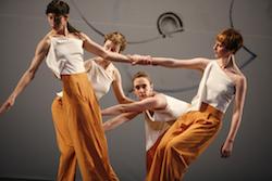 TBDC in 'L'amour au théâtre'. Photo by Julieta Cervantes.