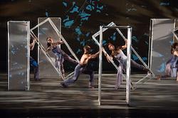 Carolyn Dorfman Dance. Photo by Christopher Duggan.
