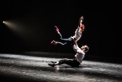Les Ballets Jazz de Montreal in 'O Balcao de Amor' by Itzik Galili. Photo by Svetla Atanasova.