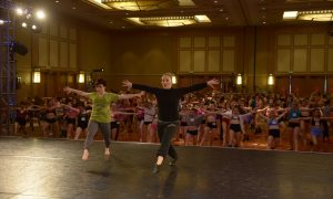 Mandy Moore teaches at Jump dance convention