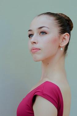 Aviva Gelfer-Mundl.