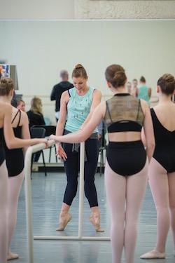 Lauren Fadeley Veyette teaching.