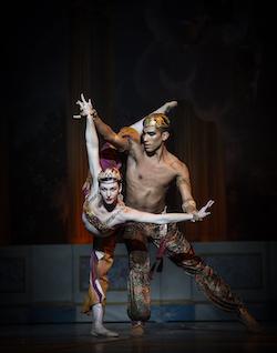 Kathleen Breen Combes and Desean Taber in 'Mikko Nissinen's The Nutcracker'. Photo by Angela Sterling, courtesy of Boston Ballet.Kathleen Breen Combes and Desean Taber in 'Mikko Nissinen's The Nutcracker'. Photo by Angela Sterling, courtesy of Boston Ballet.
