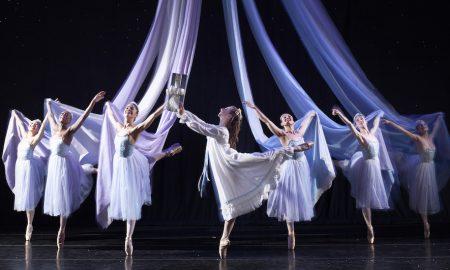 José Mateo Ballet Theatre in 'The Nutcracker'. Photo by Gary Sloan.