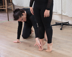Ginger Cox teaching. Photo by Eric Bandiero.