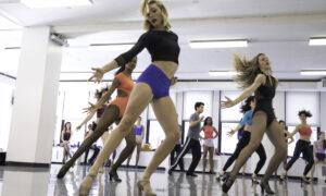 Só Dança's Broadway Cabaret.