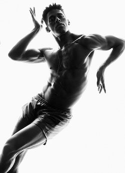 Martha Graham Dance Company Principal Lloyd Knight. Photo by Greg Vaughan.