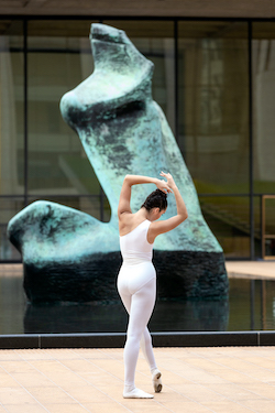 Mira Nadon of NYCB in Sidra Bell's 'pixelation in a wave (Within Wires)'. Photo by Erin Baiano.