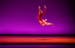 Elliot Hammans of Hubbard Street Dance Chicago in Rena Butler's 'This, That, and the Third'. Photo by Cheryl Mann.