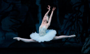 Teresa Reichlen in 'Swan Lake'. Photo by Paul Kolnik.
