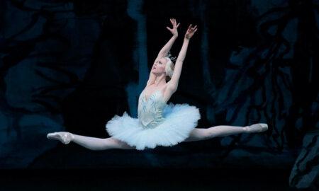 Teresa Reichlen in 'Swan Lake'. Photo by Paul Kolnik.